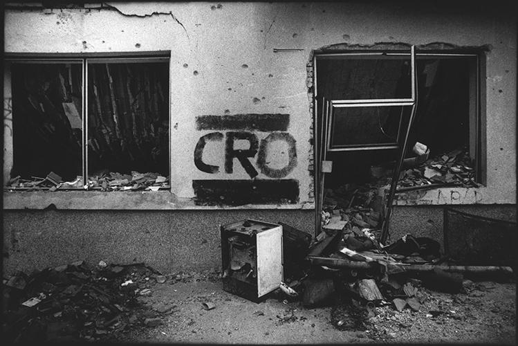 Kroatien; Slawonien; Okucani; serbische Einheiten haben alle kroatischen Häuser markiert und gebrandschatzt; Okucani; 1993